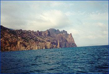 Вид на Кара-Даг с моря
